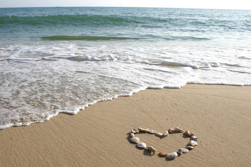 achtergrond-hart-liefde-strand